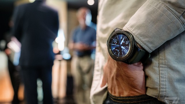 Samsung Unveils Gear S3 Smart Watch With GPS and LTE
